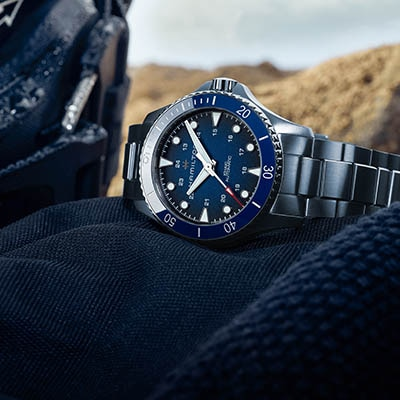 A SUMMER SPORT WATCH FOR THE SEA